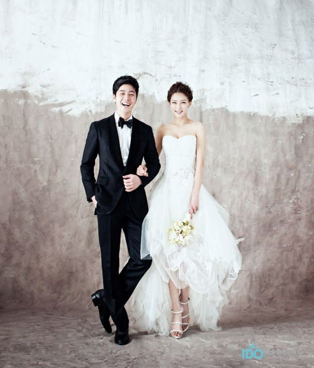 Imagine Hiring Your Wedding Guests | Fizara DIY Photo Albums