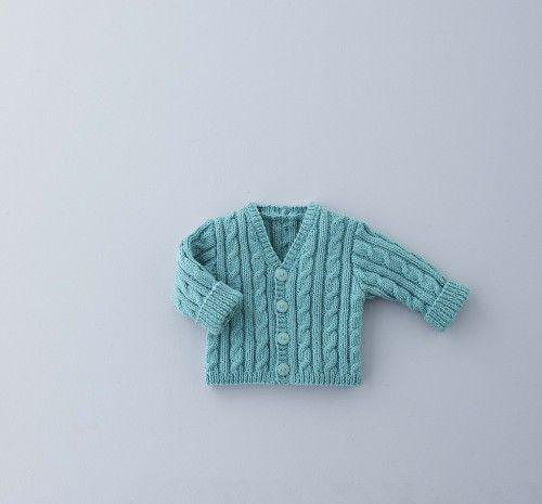 Dit geweldige patroon voor een babyvestje van Phildar wordt met een fantasiesteek gebreid. Het vest is voor baby's tot 18 maanden bedoeld.