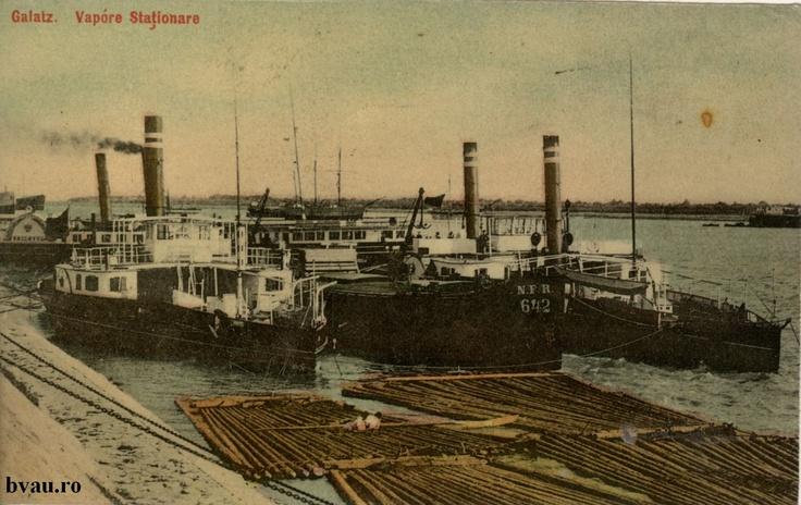 """Vapoare staţionare, vedere din port, Galati, Romania, anul [1905 -1910].  Imagine din colecţiile Bibliotecii Judeţene """"V.A. Urechia"""" Galaţi."""