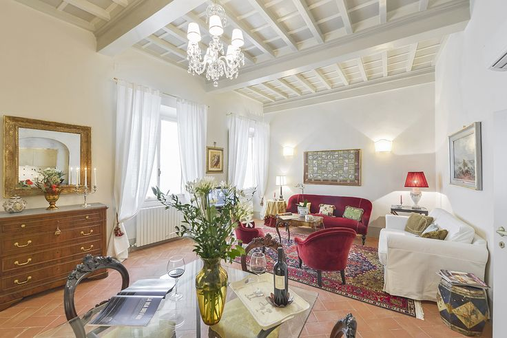 Topazia: Located on the first floor of a building on Costa San Giorgio, an enchanting road that climbs up towards Forte Belvedere which offers one of the most breathtaking point of views over Florence along with Piazzale Michelangelo and Fiesole.  #luxury #apartment #accommodation #florence #tuscany #italy #travel