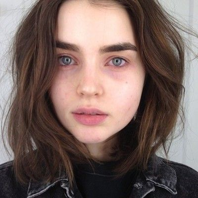 Daylnnn but her skin's too pale and her eyes should be green and her hair isn't quite dark enough. but the shape is right.