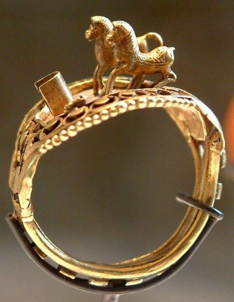 Ring with horses, Ramses II, c. 1303 BCE-1213 BCE I #Egypt