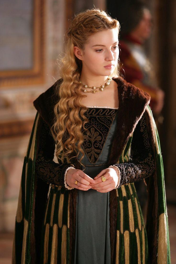 Lucrezia Borgia, Los Borgia, The Borgias, Medieval Costume, Medieval Dress, Historical Costume, Historical Clothing, Moda Medieval, Renaissance Fashion