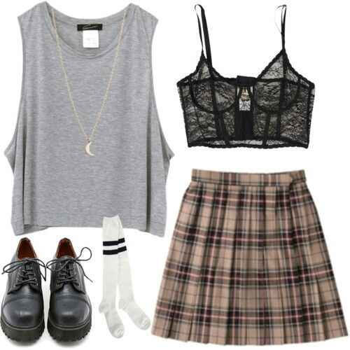 wish the skirt had brighter colors but i like the overall outfit :D