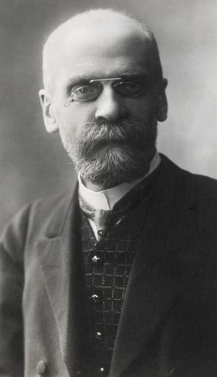Emile Durkheim (1858-1917) typified the naturalist approach to human science, and sought to understand questions using purely objective evidence. His 'scientific' approach resulted in sociology gaining a great deal of respectability during his lifetime. Along with Weber, he is considered one of the founding fathers of the subject.