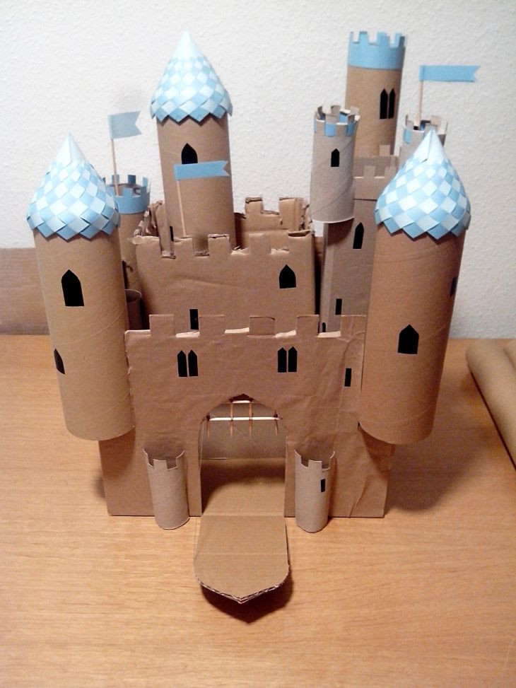 Most inventive use of the paper cones forming the top of the Woven Box. Castillo