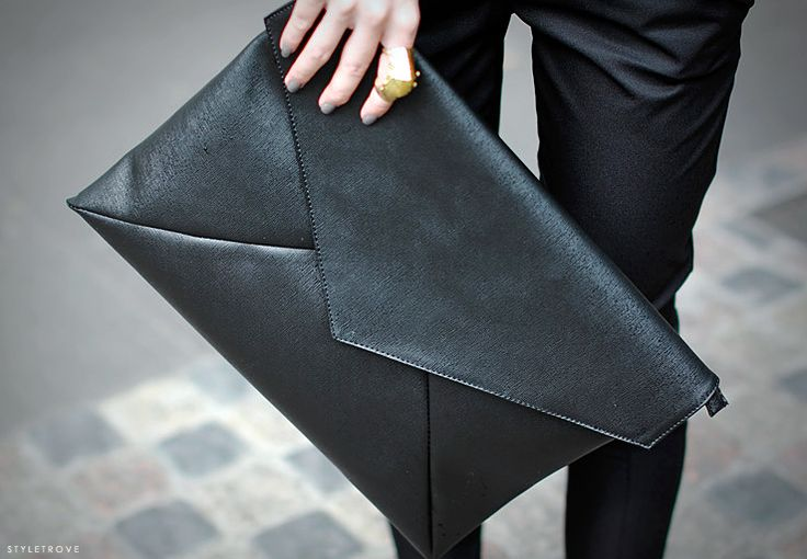 Jumbo black envelope clutch: Black Clutches, Envelope Clutches, Fashion Styles, French Toast, Leather Wallets, Leather Clutch, Cities Styles, Clutches Bags, Envelopes Clutches
