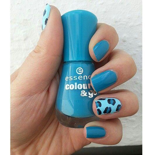 Ik heb die blauwe nagellak <3