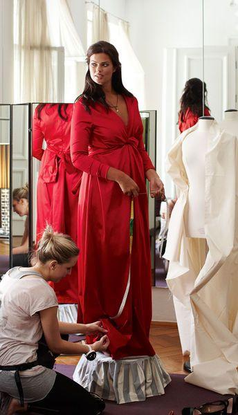 Платье - выкройка № 151 из журнала 12/2012 Burda – выкройки платьев на Burdastyle.ru