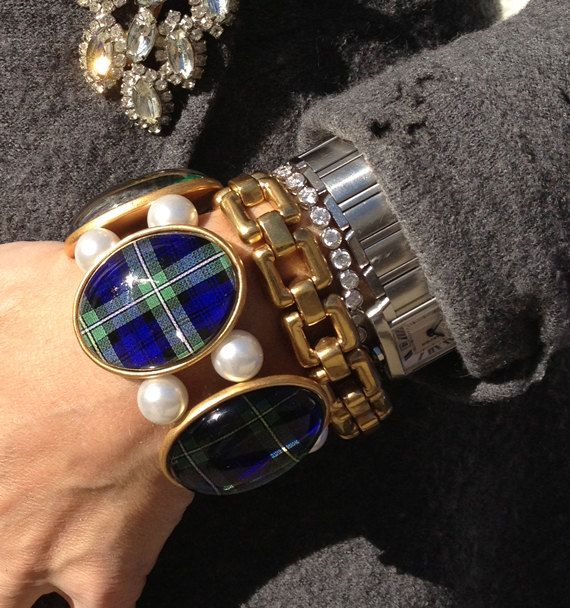 SALE Campbell Tartan in Gold Five-Cameo Stretch Bracelet #campbell #tartan #fallfashion