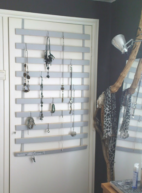 Quot S Quot Hooks On Blinds Or Slats As Jewelry Storage Diy