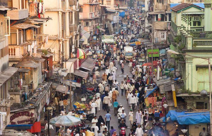 7.209.373.300 es la población mundial actual. 1.357.380.000 están en China y 1.213.370.000 en India.