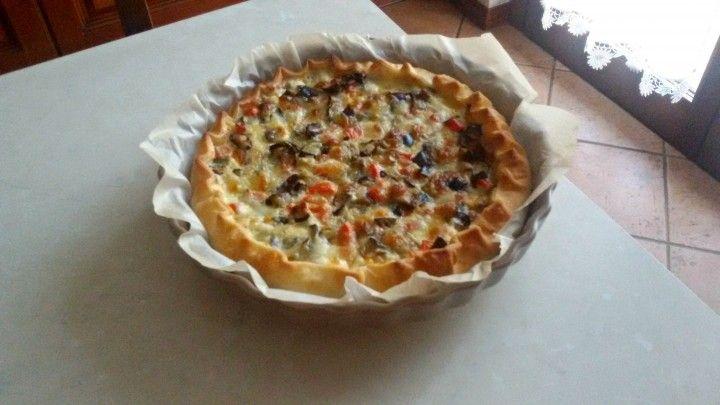 Torta salata alle melanzane CLICCA QUI PER LA RICETTA-> http://blog.giallozafferano.it/eli93/torta-salata-alle-melanzane/