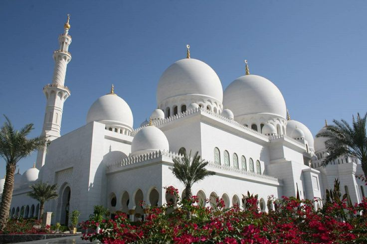 Sheikh Zayed Mosque, Abu Dhabi http://www.acenature.com/most-beautiful-mosques-in-the-world/