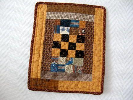 mini_quilt_orange_et_bleu_011 repro of doll quilt in The American Quilt..1840-1865