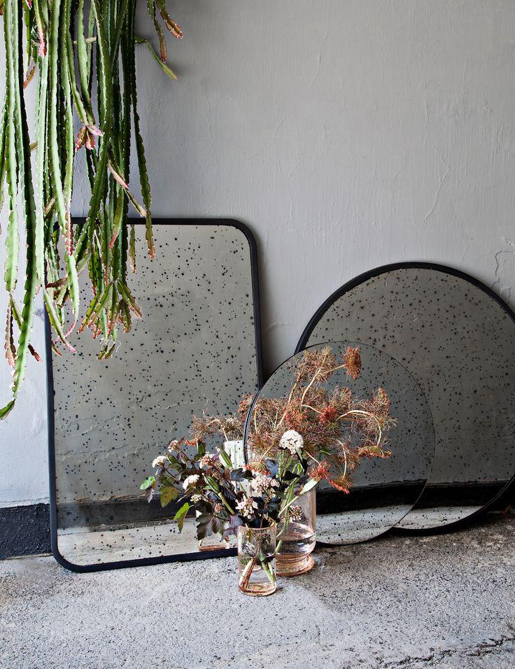 Tablett Spiegelglas rund schwarz antique Mirror large
