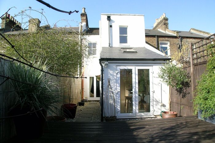 Top 25 ideas about garden room on pinterest lean to for Victorian garden room