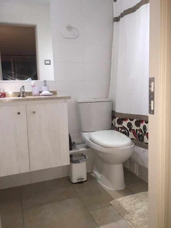 Principal bathroom.