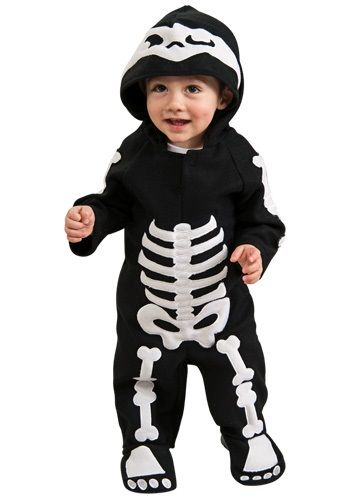 This infant and toddler skeleton costume brings the classic look of Halloween back for your little one's first trick or treating outing.