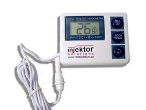 http://www.egenkontroll.nu/Storsaljare-Egenkontroll/Kyl-Frystermometer-RT-804.html  Kyl / Frystermometer RT 804  Kyl- & frystermometer med alarm och smart magnetfäste för att sitta på dörrens utsida. Visar temperaturen kontinuerligt med tydliga siffror och kan fås att larma vid olämplig temperatur.