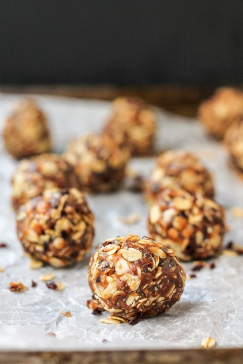 Oatmeal Peanut Butter Cookie Energy Bites with Chia ...