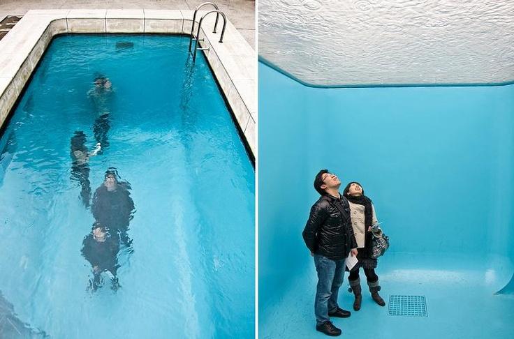 Fotos de la piscina falsa: Dond Desd, El Fondo, Persona Caminando, Foto De, Fake Pools, An, Of The, Arriba, Falsa Photo