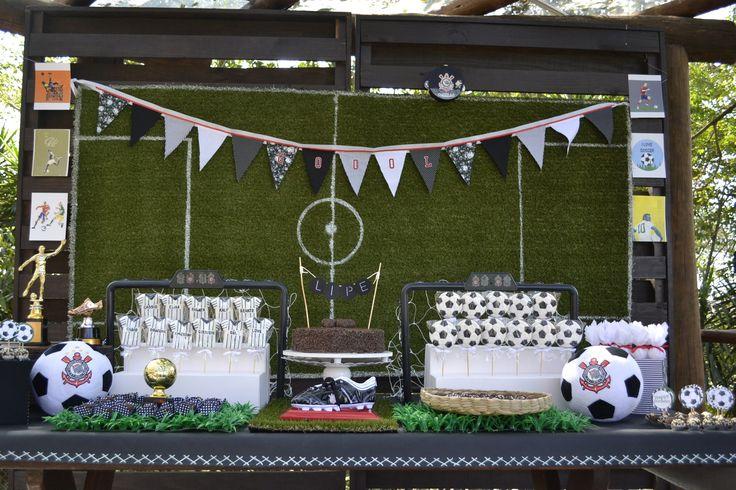 Soccer Party Festa de futebol no Espaço Arena Neymar Soccer Grass, mesa super divertida para o Corinthiano