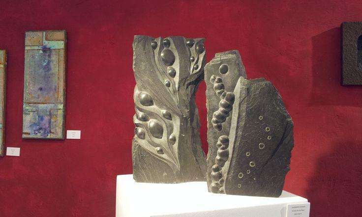 Ausstellungen der französischen Künstlerin Elsa Magrey Elsa Magrey haben wir im August 2015 kennengelernt, als wir wieder einmal Urlaub in der Provence – dieses Mal in der Nähe von Grasse – gemacht haben. Per Zufall sind wir in den kleinen Ort Bargème gekommen. Ein großes Kunstwerk lange vor dem Ortseingang hat uns angezogen und neugierig …