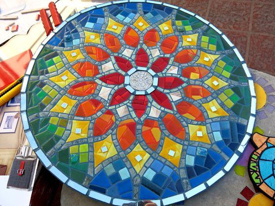 17 mejores ideas sobre mesas en mosaico en pinterest for Mosaicos para patios precios