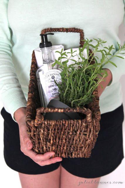 Homemade Housewarming Gift | housewarming gift in a basket