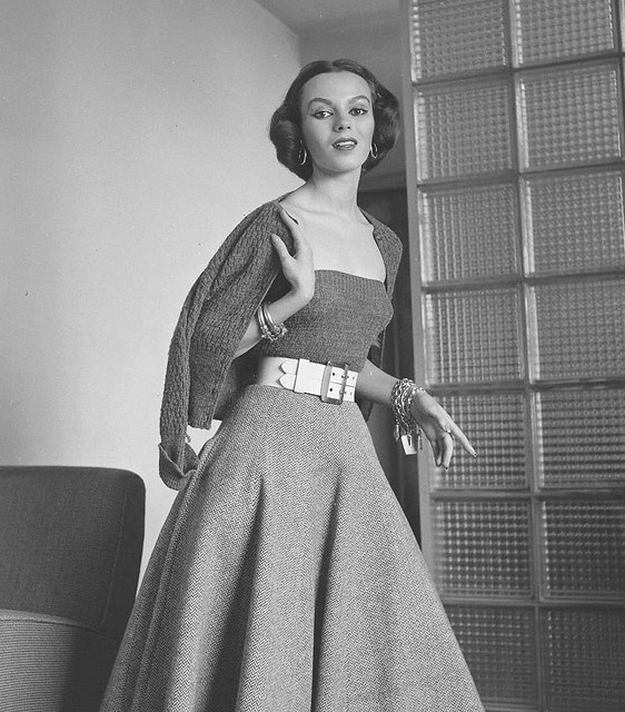 50's fashion - wish this was today's instead of all this hoochie shit