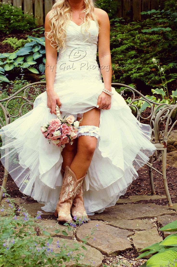 Bride #country wedding ... Wedding ideas for brides, grooms, parents &…