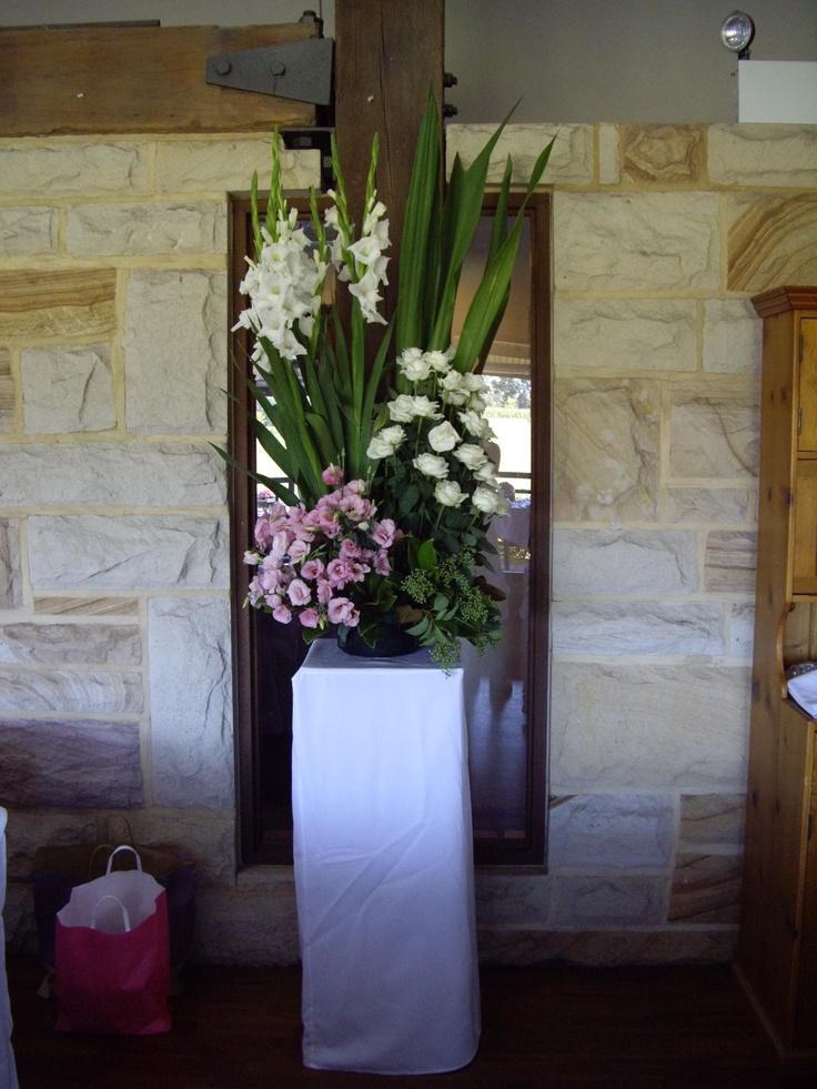 #pedestal #freshflowers