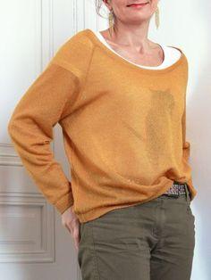 Patron et instructions avec photos pour coudre un sweat loose. Taille : 36-42. Tissu : jersey fin ou lainage, tissu fluide.