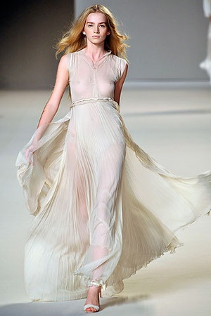 17 best My Style images on Pinterest | Wedding frocks, Bridal gowns ...