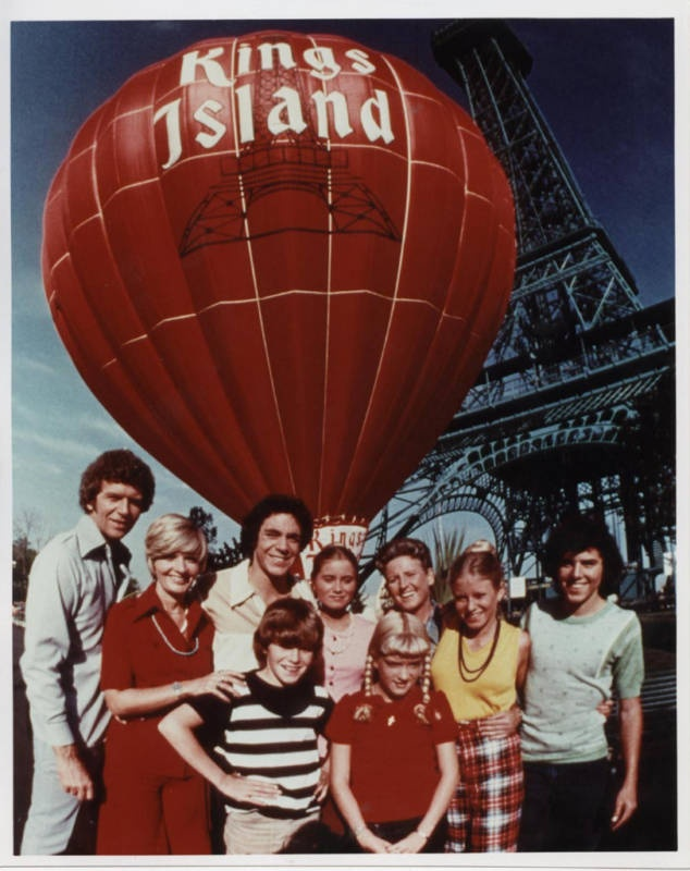 Brady Bunch stars Barry Williams (Greg), Christopher Knight (Peter) and Susan Olsen (Cindy) return to Kings Island this Sunday, May 19, with four Brady-themed shows in the Kings Island Theater (12:00pm, 2:30pm, 5:00pm & 7:30pm). Meet and greet and autograph session after each show!