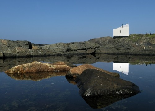 Squish Studio is located in Fodo Island, Canada, and designed by Saunders Architecture.