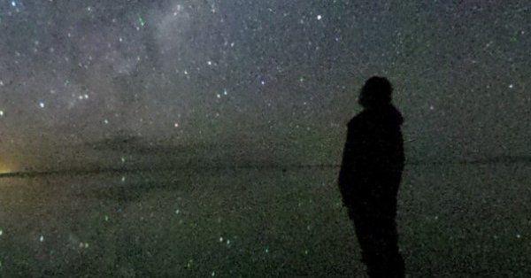 南米ウユニ塩湖、天空の鏡に満天の星が映りました。(昨日撮影) 画面タッチで360度見回せます。