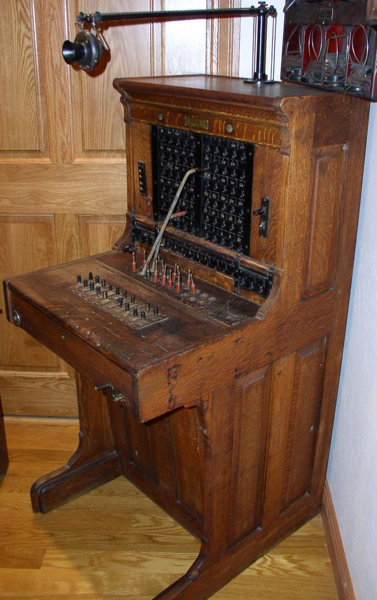 Monarch Switchboard - Telephonearchive.com - Antique Telephone Information
