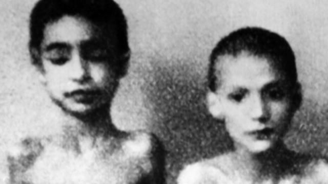 a history of josef mengele the auschwitz monster Specific purpose: to inform the audience about josef mengele, a doctor in auschwitz and a psychological quandary thesis: from his early life to his insane.