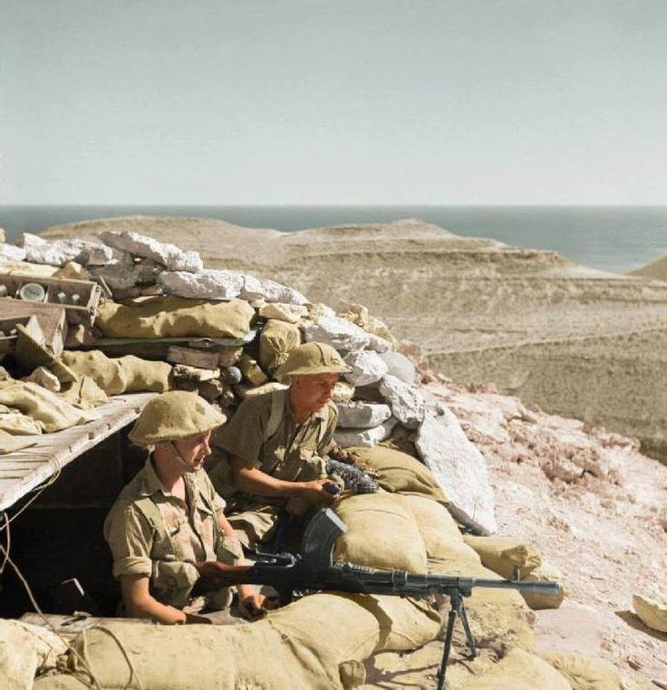 British soldiers of the 2nd Battalion, Leicestershire Regiment man a Bren gun in defences around Tobruk, Libya. 10th of November 1941.
