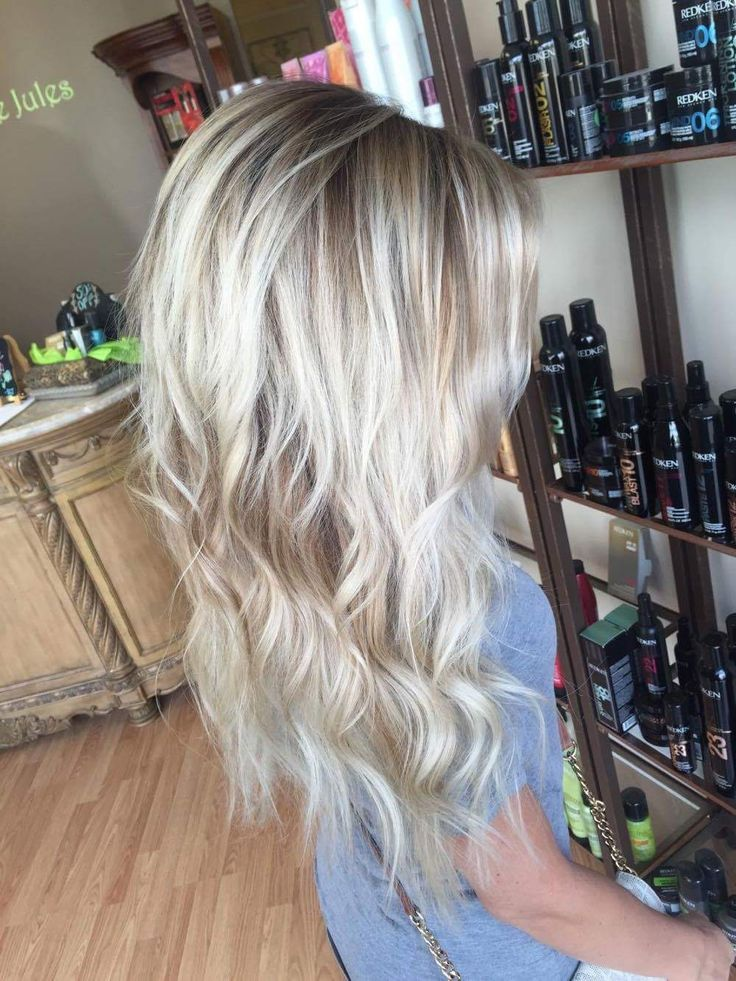 Blonde ombré blonde shadow root rooted blonde platinum blonde summer hair blondie