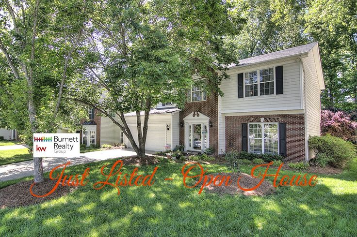 JUST LISTED & OPEN HOUSE Saturday, May 6, 11am-1pm 9423 Willow Tree Lane, Charlotte, NC 28277 Blakeney Heath - Fieldstone Fabulous Single Family Home with 4 bedrooms, 2.5 Bathrooms, 2,022HLA on wooded lot! List Price $310,000 MLS 3276686 Beautiful move-in ready home in Ballantyne area near convenient Blakeney. Gorgeous glass front door will welcome you in. Neutral colors & updated fixtures throughout.  704-650-3472  704-604-7060 lynn@theburnettrealtygroup.com lizi@theburnettrealtygroup.com
