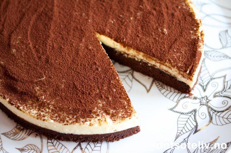 """Her har du en FANTASTISK oppskrift på en FANTASTISK kake!!! Oppskriften stammer fra den berømte, engelske kokken Jamie Olivier, og er hentet fra hans fjernsynsserie """"Oliver's Twist"""" (sendt på TV Norge for et par år siden). Kaken er mektig og fyldig, og smelter på tungen i en nydelig smak av mascarponeost, kakao, kaffe, hvit og mørk sjokolade, marsalavin og likør......"""