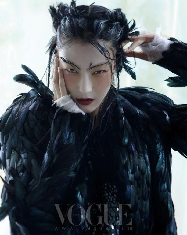 Vogue Korea January 2013     (I luv it, not really hanfu...I need to create a new board. lol)
