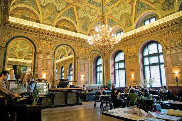 BOOK CAFÉ - LOTZ HALL / COFFEE SHOP 。BOOK SHOP  IN BUDAPEST