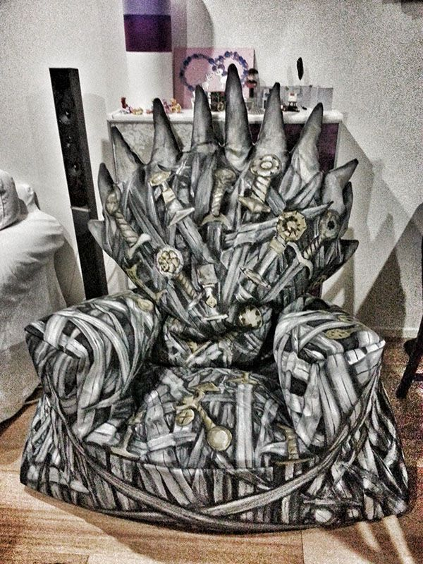 Best 25 king throne chair ideas on pinterest throne for Game of thrones garden ornaments