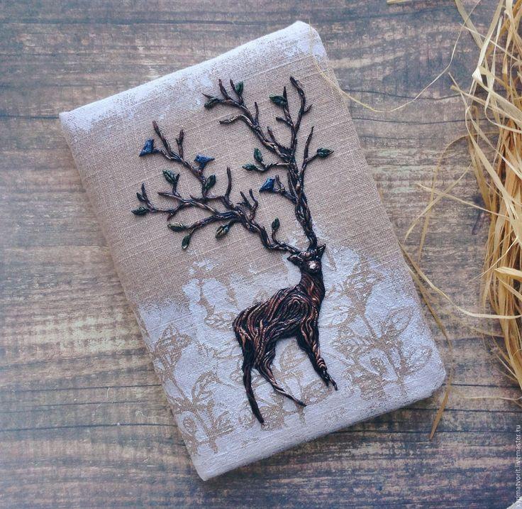 Купить Блокнот с оленем - коричневый, белый, олень, оленьи рога, растительный орнамент, деревянный, рустик