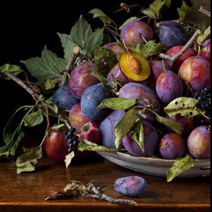 A ladies touch... Today's inspiration comes from the beautiful still-life settings and images of New York artist & photographer Paulette Tavormina. @paulettetavormina  #styling #stilllife #fruit #art #paulettetavormina
