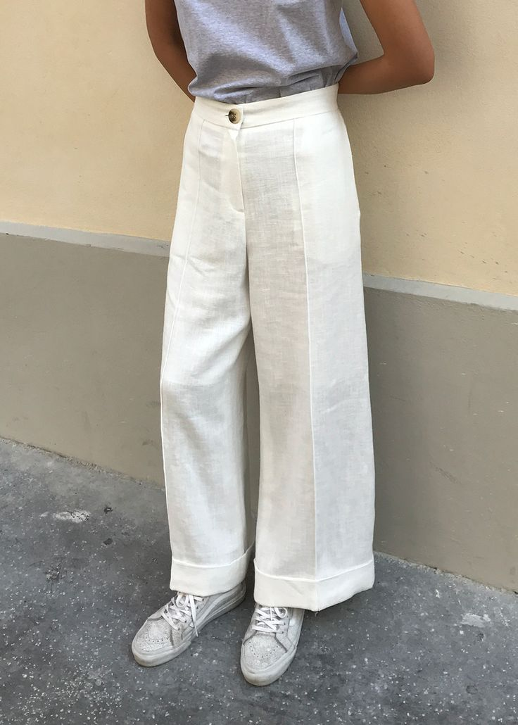 """#newarrivals #white #loosefit #relaxed #trousers #nopromise #korea #thefrankieshop frankienyc #frankiegirl Lightweight Linen-Like Trouser w/2 Side Pockets. Fully Lined. Relaxed, Loose Fit Ramie Blend S/28"""" Waist, M/30"""" Waist, 26"""" Inseam Length Dry Clean By No Promise. Imported"""